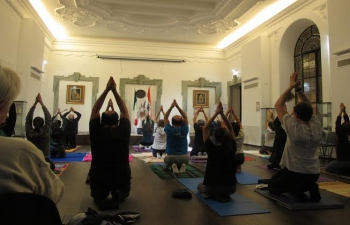Opening class/demonstration session of Gitananda Yoga (27.10.2015)