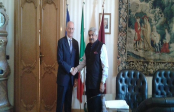 Meeting between Ambassador shri Anil Wadhwa and Mr Franco Gabrielli, Chief of Police, Rome (09.08.2016)