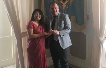 Events in Nola: DCM Mrs. Gloria Gangte met the Mayor of Nola Avv. Geremia Biancardi.  A Seminar on 'India meets Naples and Mediterranean Area' was organised by the Embassy in Nola on March 22nd 2018. Several Italian companies from Nola participated in the Seminar. Interactive B2B and B2G sessions took place to discuss possible collaboration between India and various Italian companies. Visits to the facilities of various Italian companies at Nola were organised to look forward to a close and productive association between Indian companies and Nola.