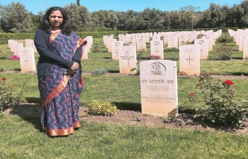 April 24th: Ambassador Reenat Sandhu paid homage to the fallen Indian soldiers at Syracuse war cemetery. 41 Indian soldiers lost their lives in the war in Sicily in 1943 during WWII.